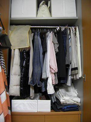 狭いクローゼットに1年分の洋服を収納! 一目で見渡せるクローゼット