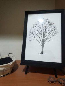 木を描くアーティスト Aiさん ケヤキ