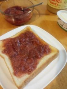 いちごジャム トースト
