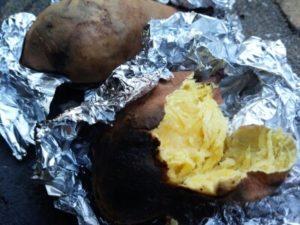 直火で焼き芋 ほくほく