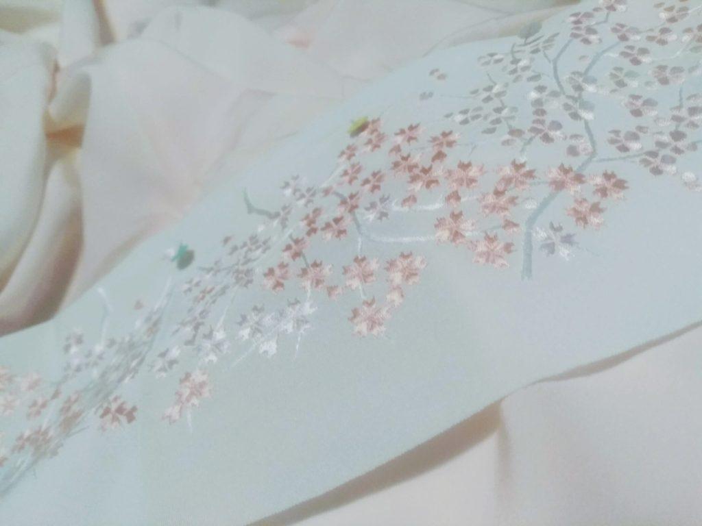 刺繍の半襟