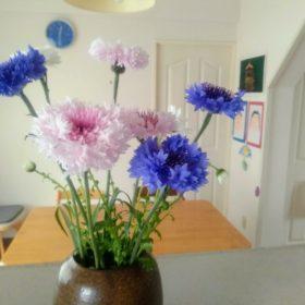 ダイニングにお花を飾る